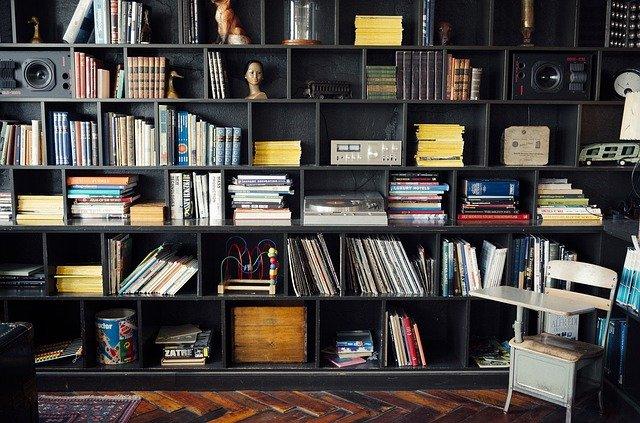 Un best-seller et sa différence comparée aux autres livres en librairie
